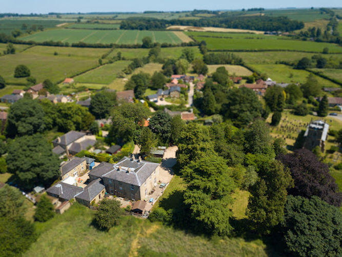 Luxury self-catering accommodation – New Instruction
